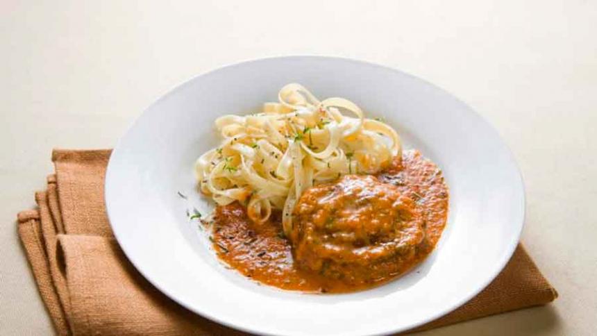 Carne a la Provenzal con pasta al oliva