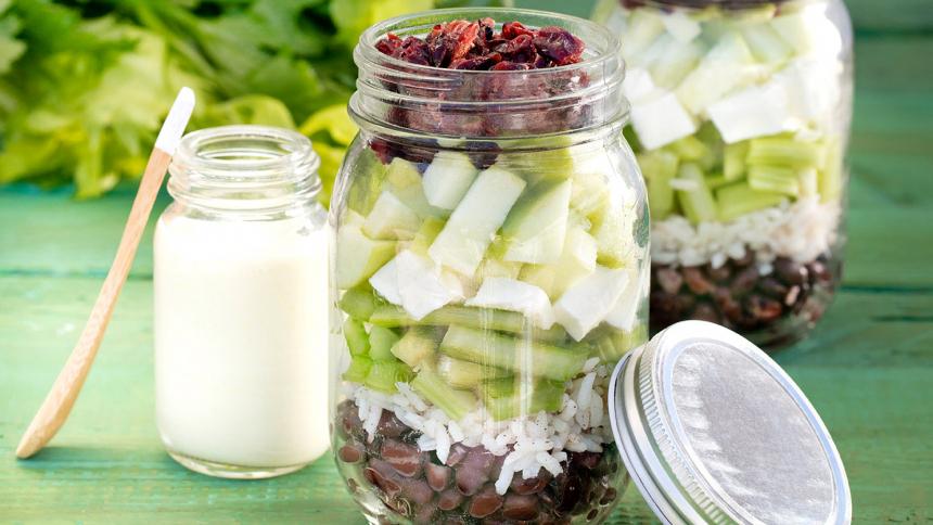 Ensalada de porotos negros y aderezo de yogurt en frasco (400ml)
