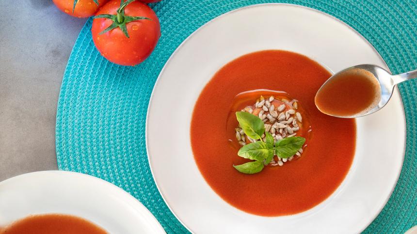 Sopa fría de puerros y tomates