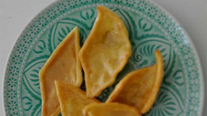 Hojuelas con almíbar de naranja