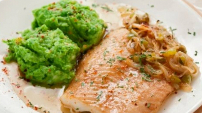 Filete de pescado en marinada de soya y jengibre