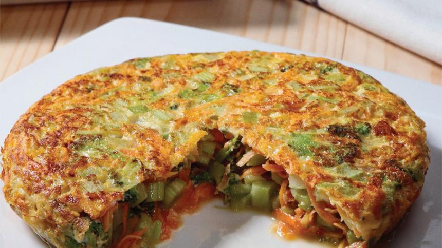 Tortilla de zanahoria, brocoli y apio con arroz integral