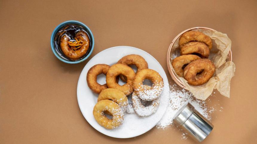 Rosquillas con salsa de chancaca