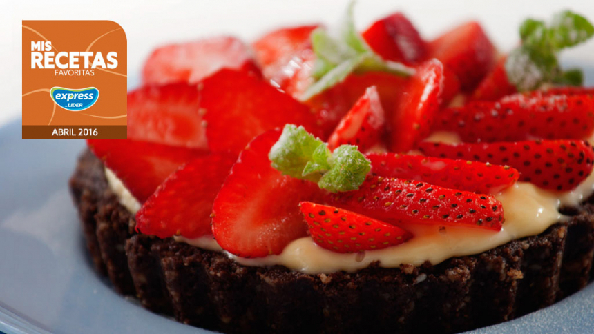 Tartas individuales de frutilla y crema pastelera
