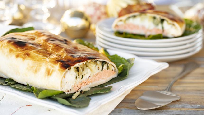 Strudel de salmón, brócoli y papas