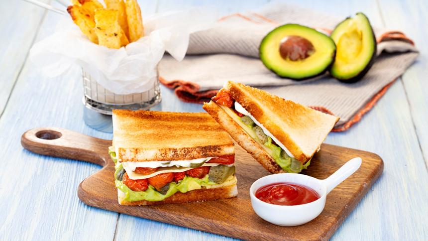Sándwich vegetariano y Palitos de Polenta